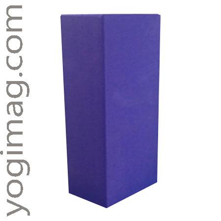 brique de yoga, un accessoire de yoga yogimag pour vos postures de yoga