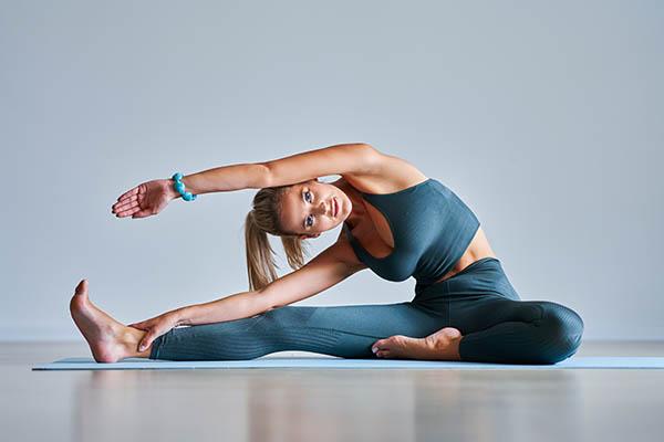 Les bienfaits du yoga sur la souplesse - Yogimag