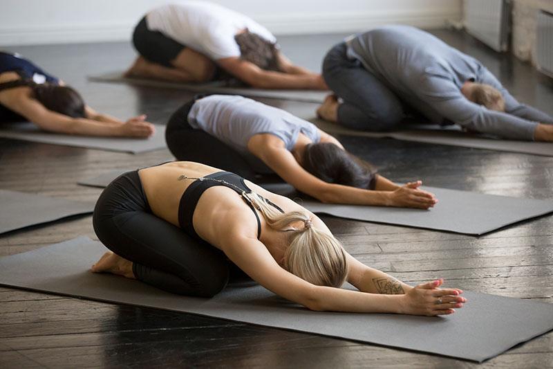 Tapis de yoga débutant yogimag