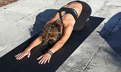 Tapis de yoga noirs