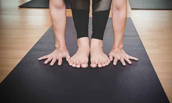 Yoga avec tapis de yoga