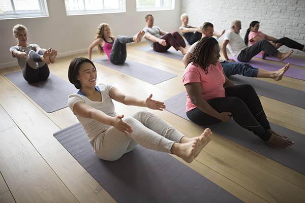 Yoga débutant : choisir un cours de yoga pour commencer