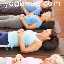 matériel de méditation coussin yoga yogimag